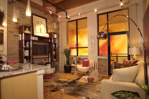 Amazing Small Living Room Design to Make Feel Bigger 24