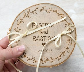 Beautiful Decorations for Your Wedding Decoration with Wooden Slices32