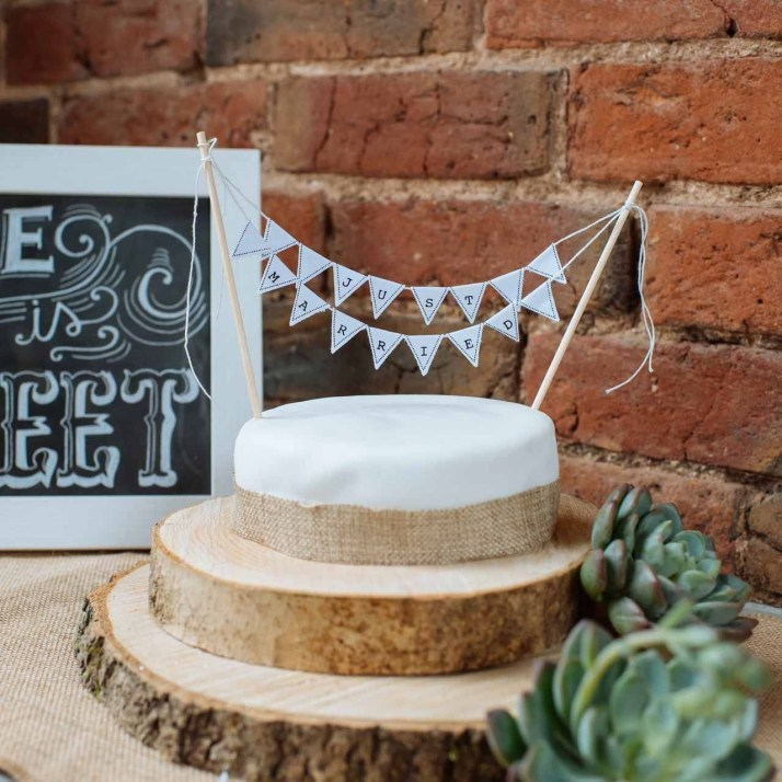 Beautiful Decorations for Your Wedding Decoration with Wooden Slices46