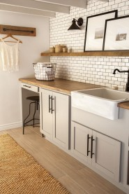 Cozy Kitchen Decorating with Farmhouse Sink Ideas 02