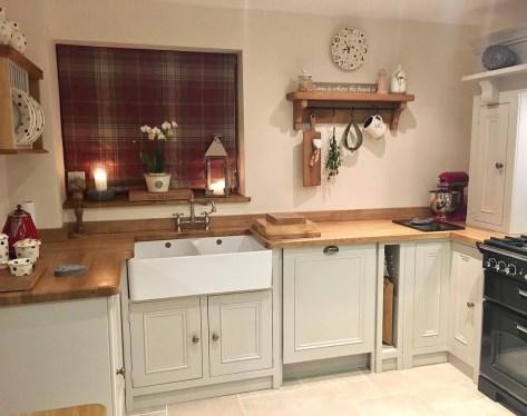 Cozy Kitchen Decorating with Farmhouse Sink Ideas 06