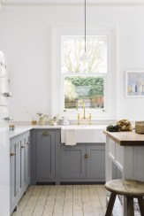 Cozy Kitchen Decorating with Farmhouse Sink Ideas 09
