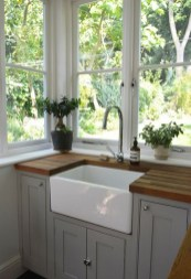 Cozy Kitchen Decorating with Farmhouse Sink Ideas 19