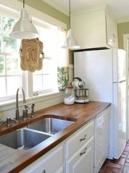 Cozy Kitchen Decorating with Farmhouse Sink Ideas 37