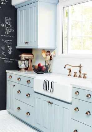 Cozy Kitchen Decorating with Farmhouse Sink Ideas 40