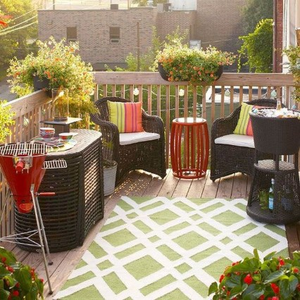 Fabulous DIY Projects To Make Small Backyard More Cozy 12