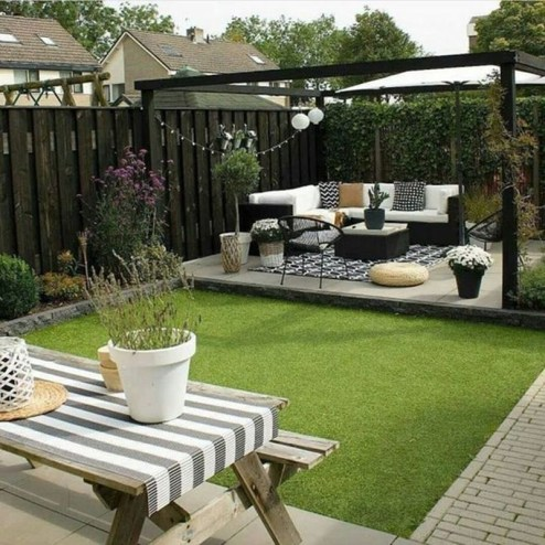 Fabulous DIY Projects To Make Small Backyard More Cozy 27