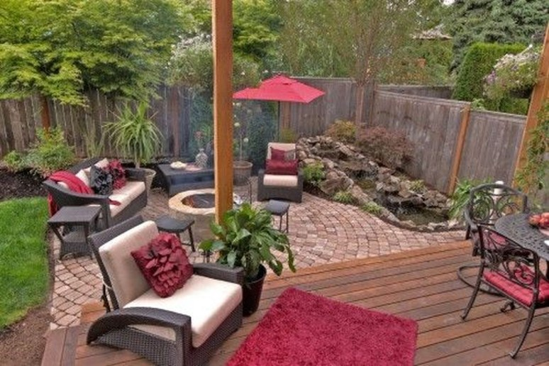 Fabulous DIY Projects To Make Small Backyard More Cozy 37