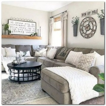 Gorgeous Wall Clock Decoration for Your Small Living Room10