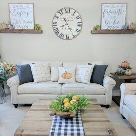 Gorgeous Wall Clock Decoration for Your Small Living Room16