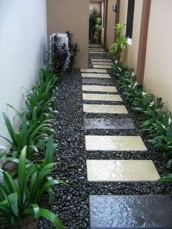 Most Amazing Side Yard Landscaping Ideas to Beautify Your Garden 37