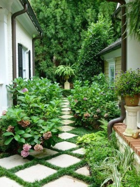 Most Amazing Side Yard Landscaping Ideas to Beautify Your Garden 52