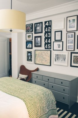 Simple And Memorable Photo Frame Decoration on Your Bedroom Wall 17