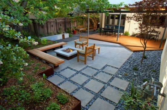 The Design of a Small, Simple Backyard You Must Have 34