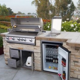 Amazing Outdoor Kitchen Bars to Finish This Summer 12