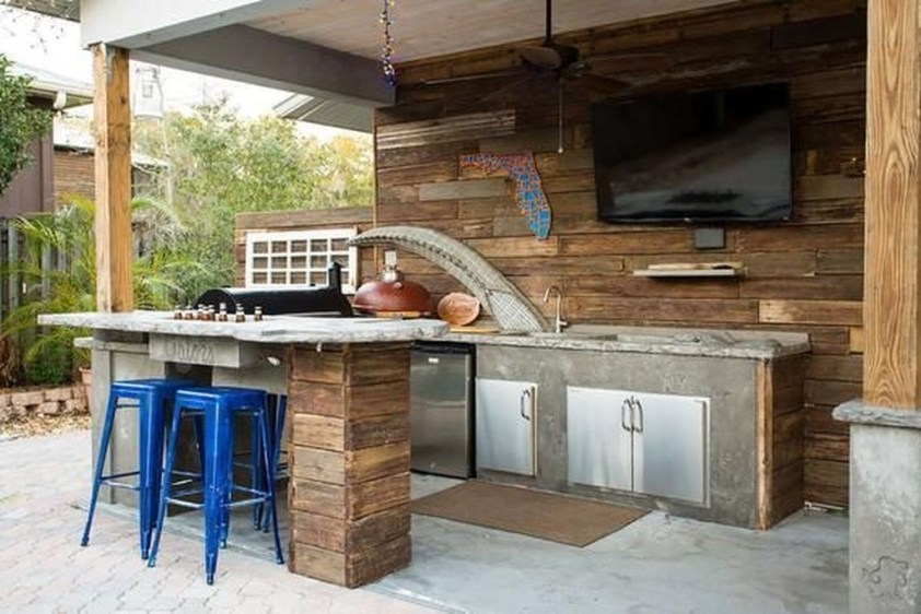 Amazing Outdoor Kitchen Bars to Finish This Summer 18