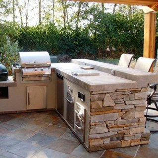 Amazing Outdoor Kitchen Bars to Finish This Summer 19