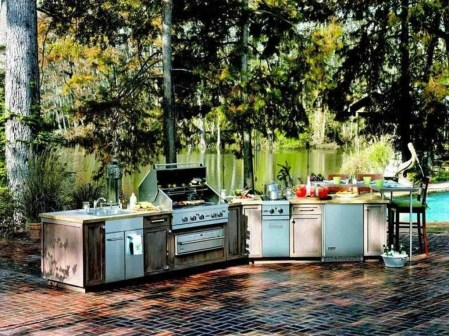 Amazing Outdoor Kitchen Bars to Finish This Summer 22