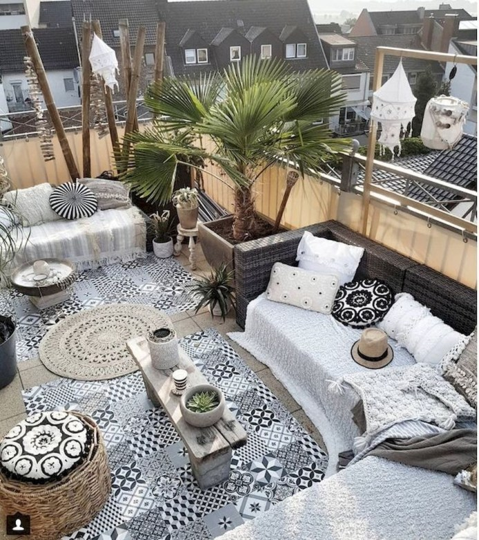 Awesome Outdoor Rooms Designed as Comfortable as Possible for You 59