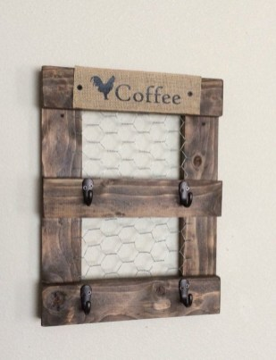 Cool Interior Design DIY Pallet to Beautify Wall Hangings of your Home 18
