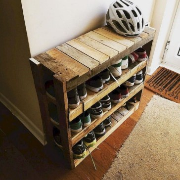 Cool Interior Design DIY Pallet to Beautify Wall Hangings of your Home 27