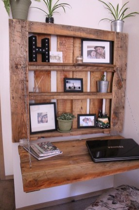 Cool Interior Design DIY Pallet to Beautify Wall Hangings of your Home 38