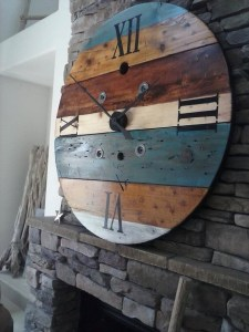 Cool Interior Design DIY Pallet to Beautify Wall Hangings of your Home 44