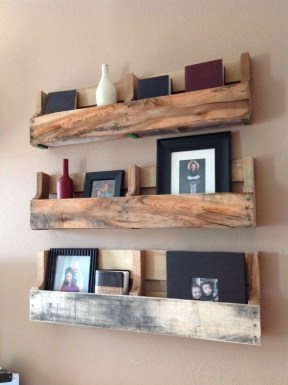 Cool Interior Design DIY Pallet to Beautify Wall Hangings of your Home 55
