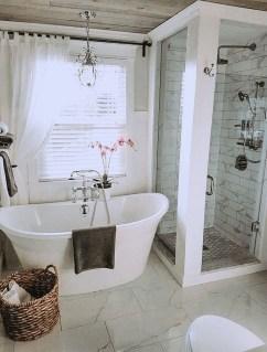 Majestic Bathroom Decoration to Perfect Your Dream Bathroom 55
