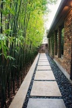 Mesmerizing Side Yard Landscaping Design Ideas to Perfect Your Garden Design 08
