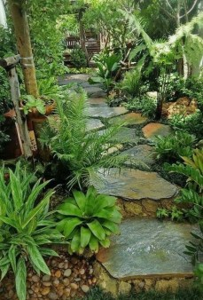 Mesmerizing Side Yard Landscaping Design Ideas to Perfect Your Garden Design 11