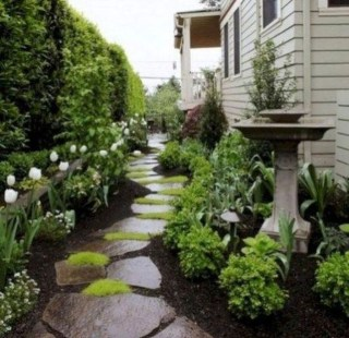 Mesmerizing Side Yard Landscaping Design Ideas to Perfect Your Garden Design 19