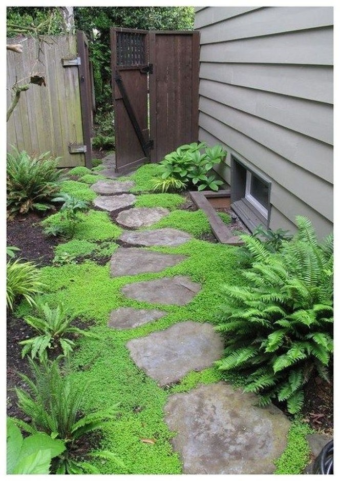 Mesmerizing Side Yard Landscaping Design Ideas to Perfect Your Garden Design 59