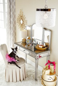 Most Comfortable Makeup Room with Mirror Decoration for Women 13