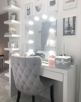 Most Comfortable Makeup Room with Mirror Decoration for Women 15