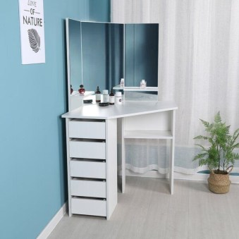 Most Comfortable Makeup Room with Mirror Decoration for Women 18