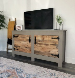 Superb DIY Wood Furniture for Your Small House and Cost-efficiency 15