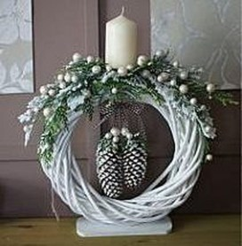 Best DIY Christmas Decoration to Perfect Your Home 36
