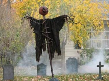 Best DIY Halloween Decorations To Perfect Your Outdoor Design 22