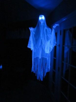 Best DIY Halloween Decorations To Perfect Your Outdoor Design 32