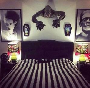 Cozy Halloween Bedroom Decorating Ideas 05