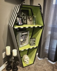 Creepy Halloween Coffin Decorations 19