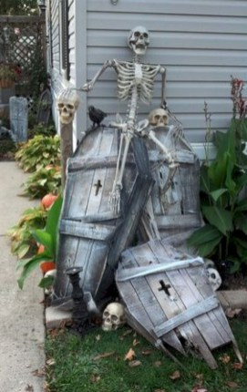 Creepy Halloween Coffin Decorations 24