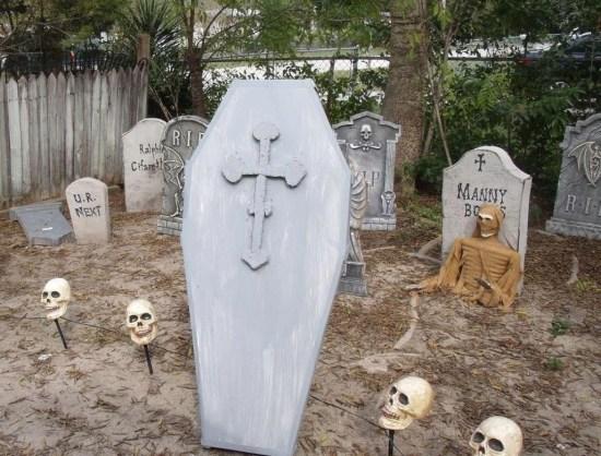 Creepy Halloween Coffin Decorations 25