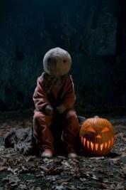 DIY Creepy Halloween Decorating Ideas Outdoors 03