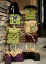 DIY Creepy Halloween Decorating Ideas Outdoors 04