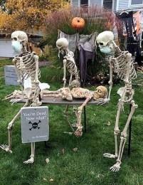 DIY Creepy Halloween Decorating Ideas Outdoors 05