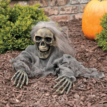 DIY Creepy Halloween Decorating Ideas Outdoors 07