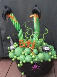 DIY Creepy Halloween Decorating Ideas Outdoors 27