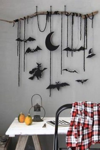 Easy and Cheap Halloween Decoration Ideas On a Budget 24